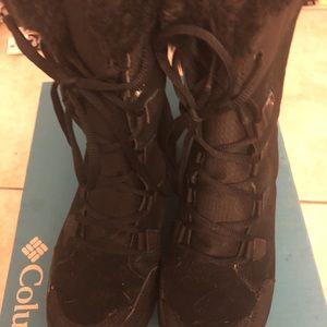 Black snow boots
